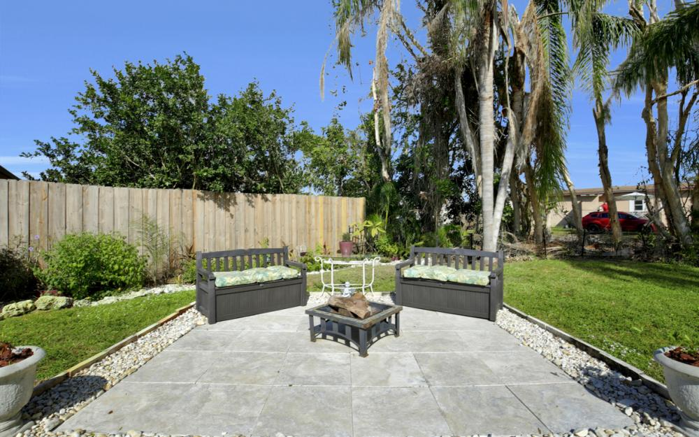 19105 Murcott Dr W, Fort Myers - Home For Sale 189123617