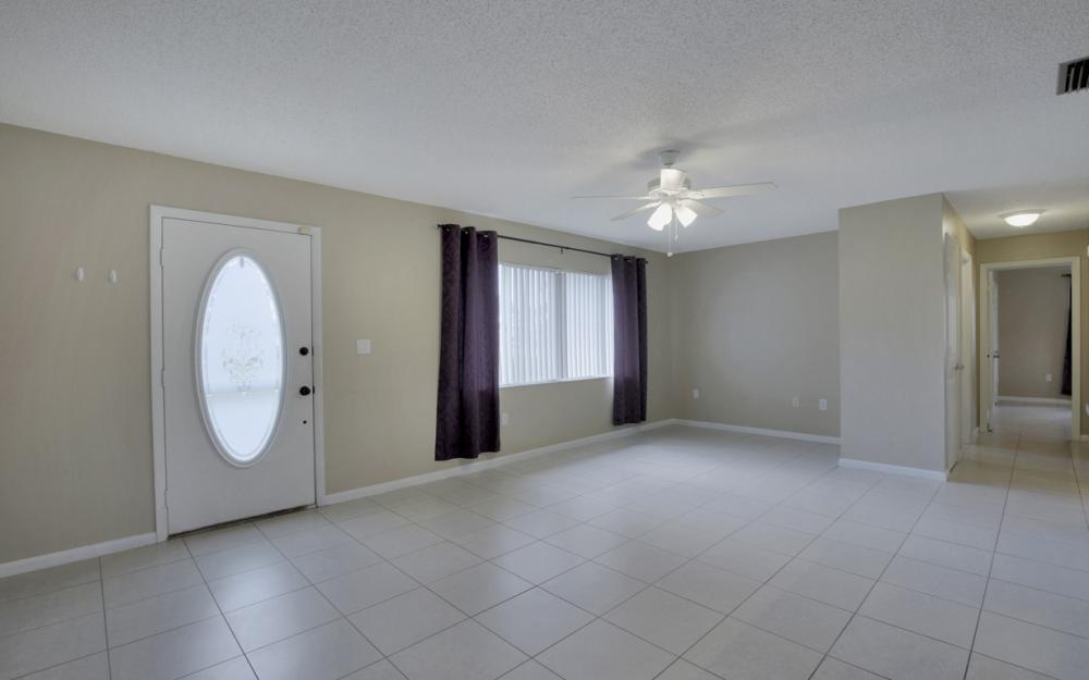 19105 Murcott Dr W, Fort Myers - Home For Sale 1028452475