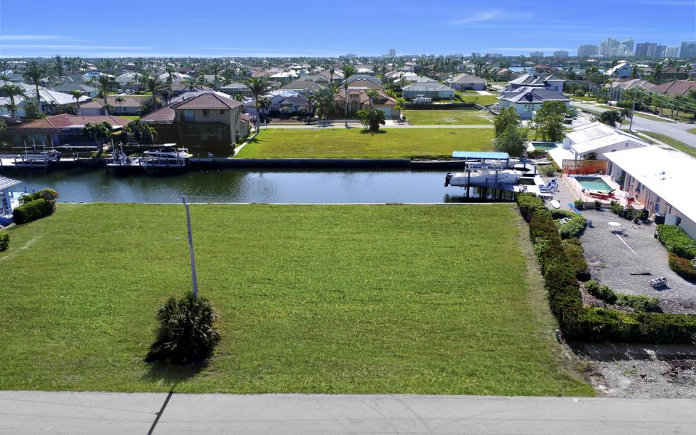 1065 Dill Ct, Marco Island - Lot For Sale 2052403093