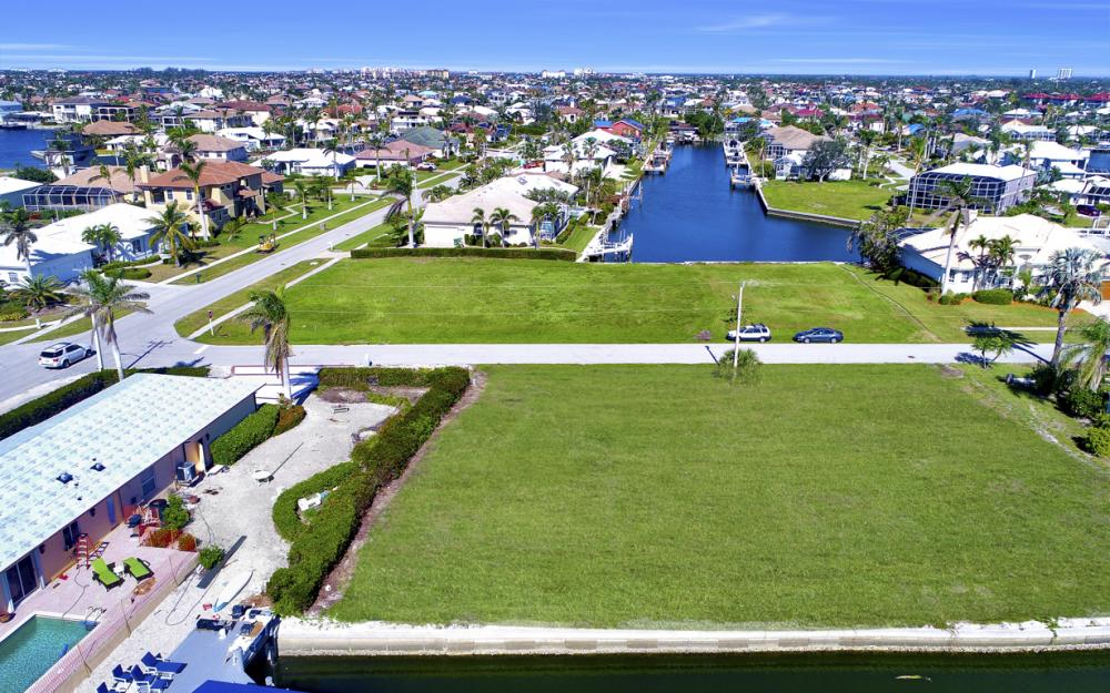 1065 Dill Ct, Marco Island - Lot For Sale 681548360