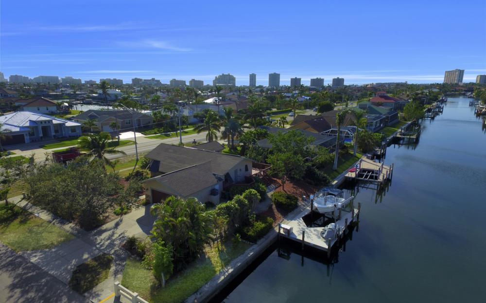 10 S. Seas Ct, Marco Island - Home For Sale 2099416138