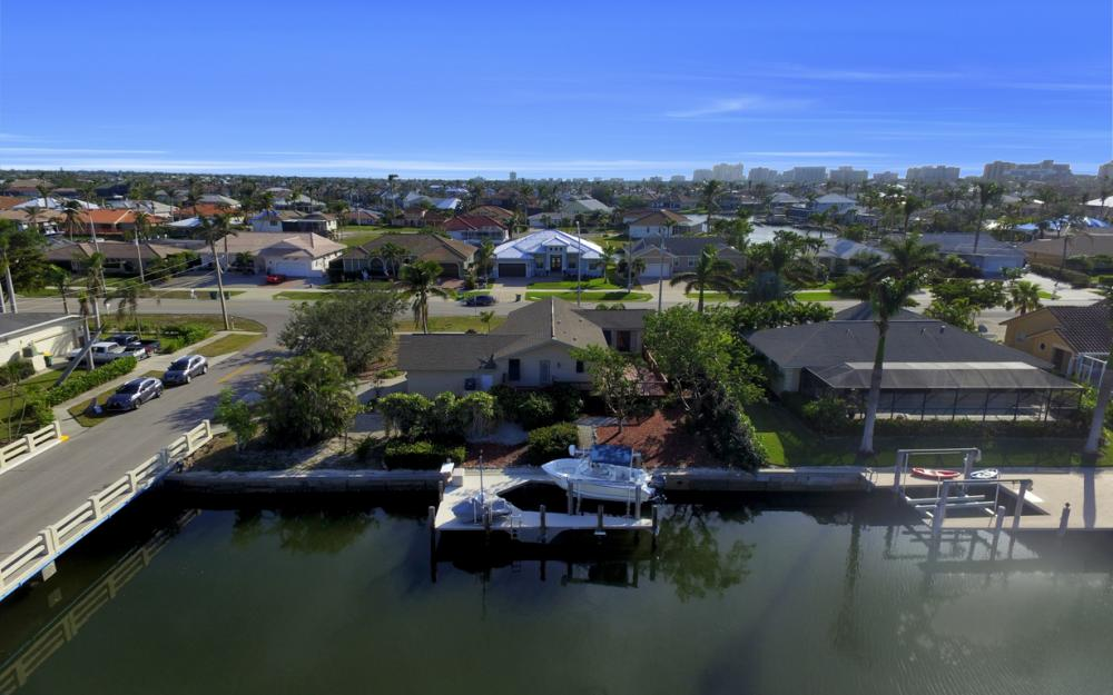 10 S. Seas Ct, Marco Island - Home For Sale 521059892