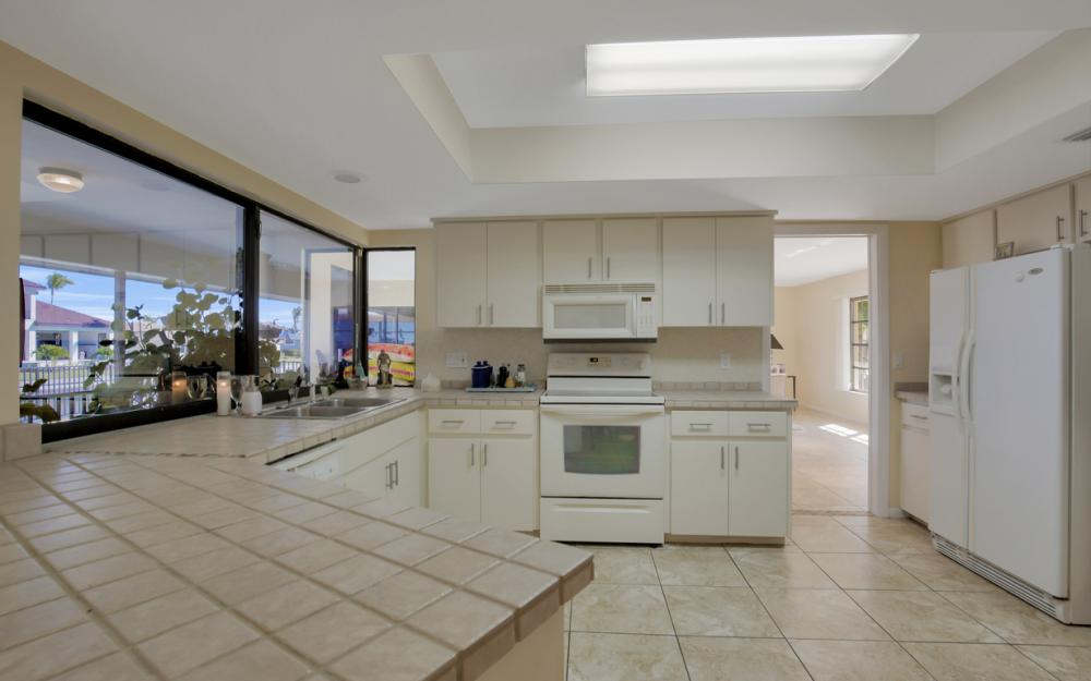 187 Dan River Ct, Marco Island - Home For Sale 352590195