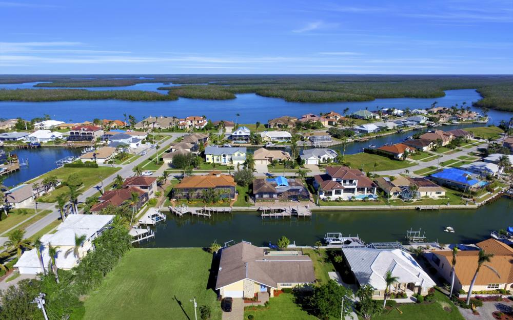 187 Dan River Ct, Marco Island - Home For Sale 1100430334