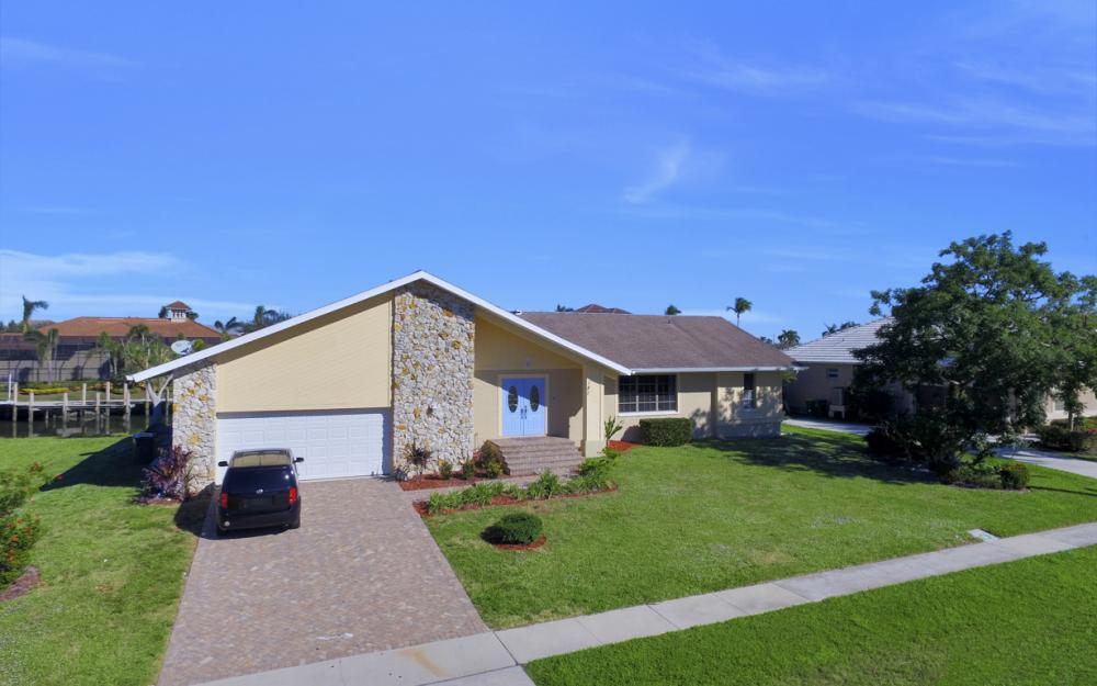187 Dan River Ct, Marco Island - Home For Sale 1874748675