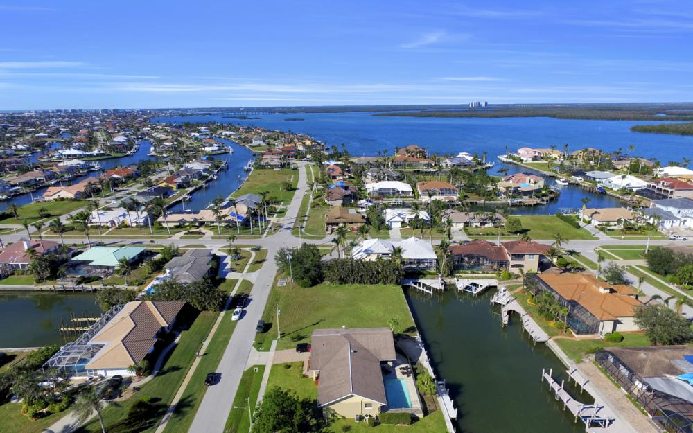 187 Dan River Ct, Marco Island - Home For Sale 1207030961