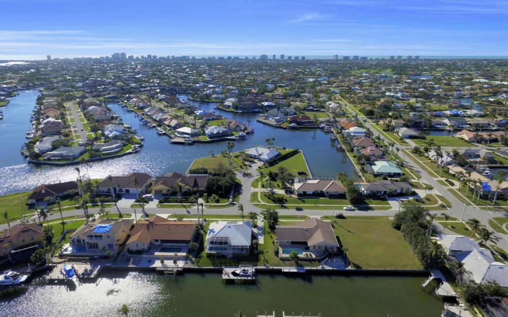 187 Dan River Ct, Marco Island - Home For Sale 1238234439