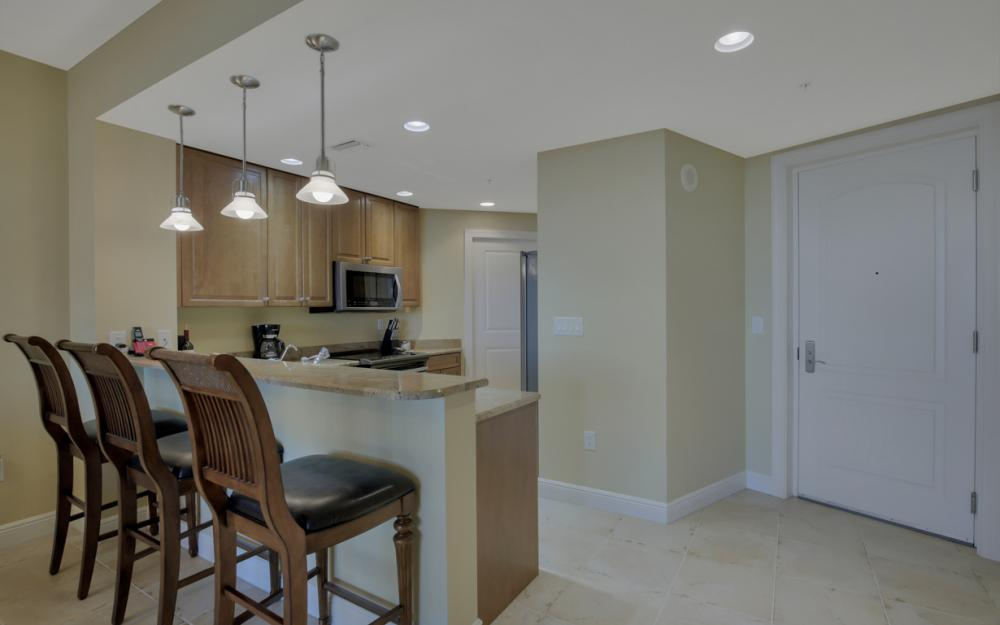 5781 Cape Harbour Dr #605, Cape Coral - Condo For Rent 323780649
