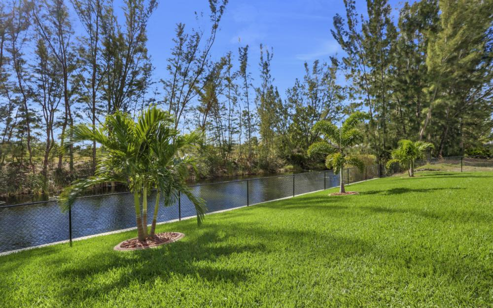 844 SW 23rd St, Cape Coral - Home For Sale 1799434711