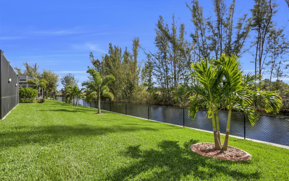 844 SW 23rd St, Cape Coral - Home For Sale 1062639266