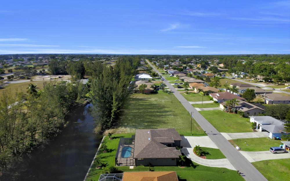 844 SW 23rd St, Cape Coral - Home For Sale 1676758754