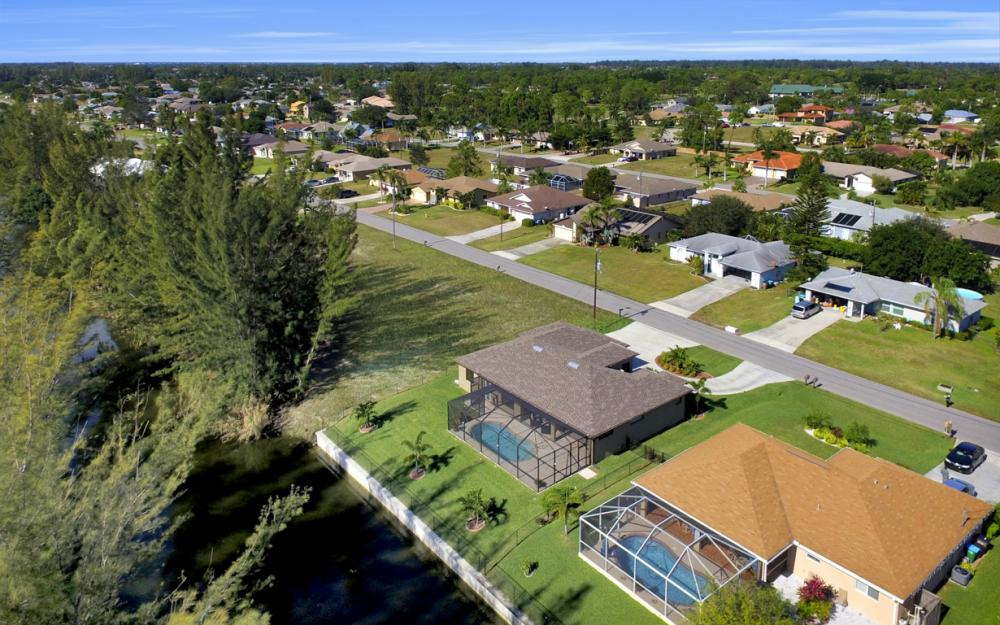 844 SW 23rd St, Cape Coral - Home For Sale 932111205