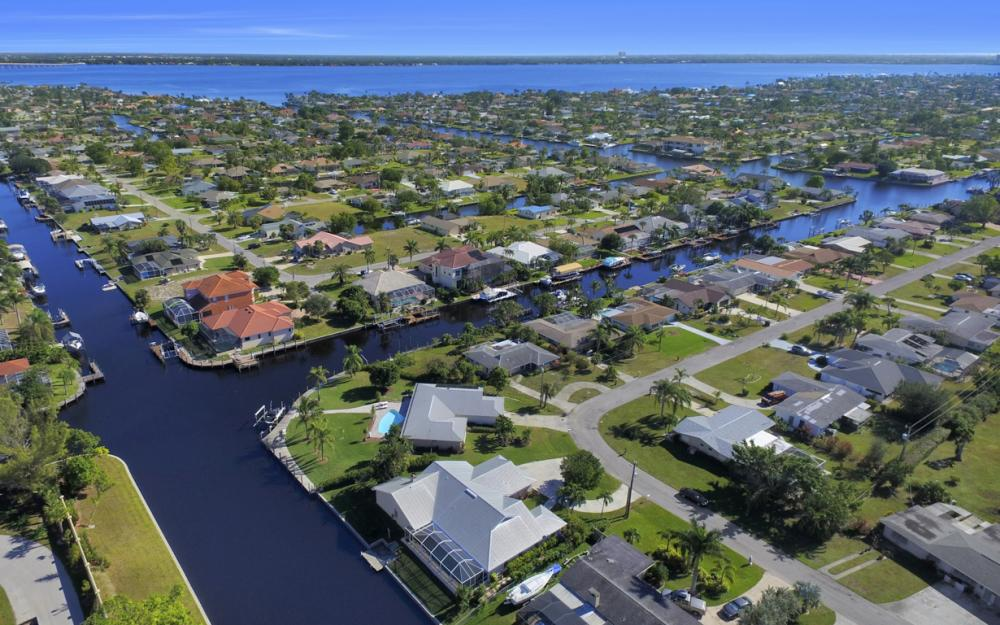 1827 SE 26th Ter, Cape Coral - Home For Sale 527065120