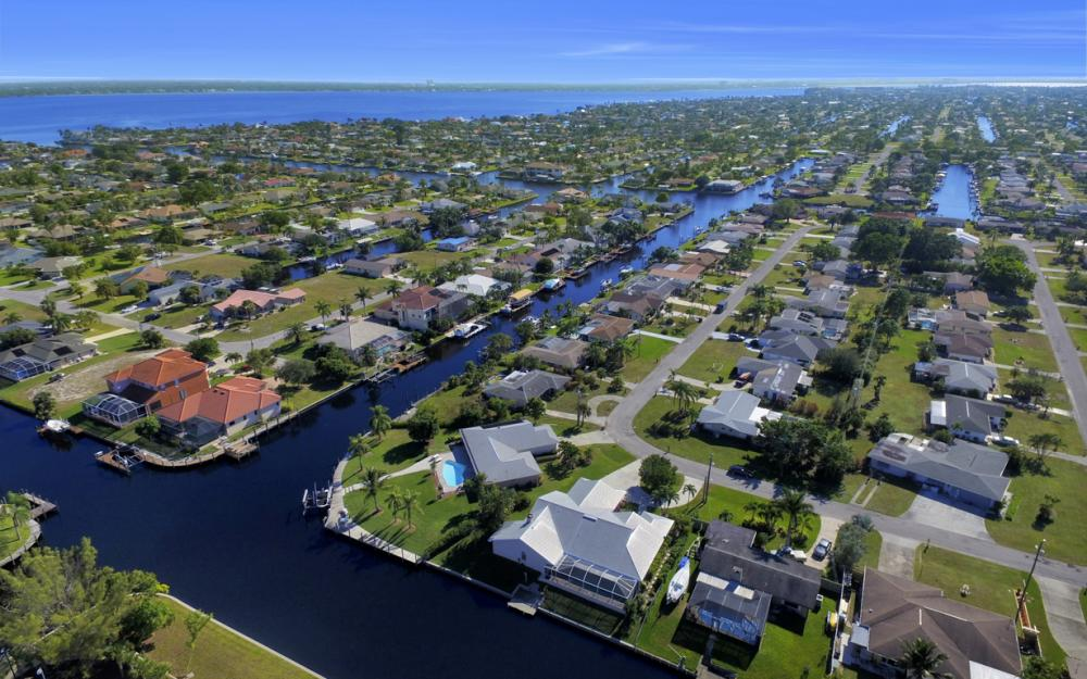 1827 SE 26th Ter, Cape Coral - Home For Sale 862881450
