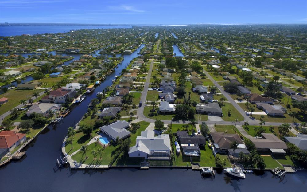 1827 SE 26th Ter, Cape Coral - Home For Sale 54377328