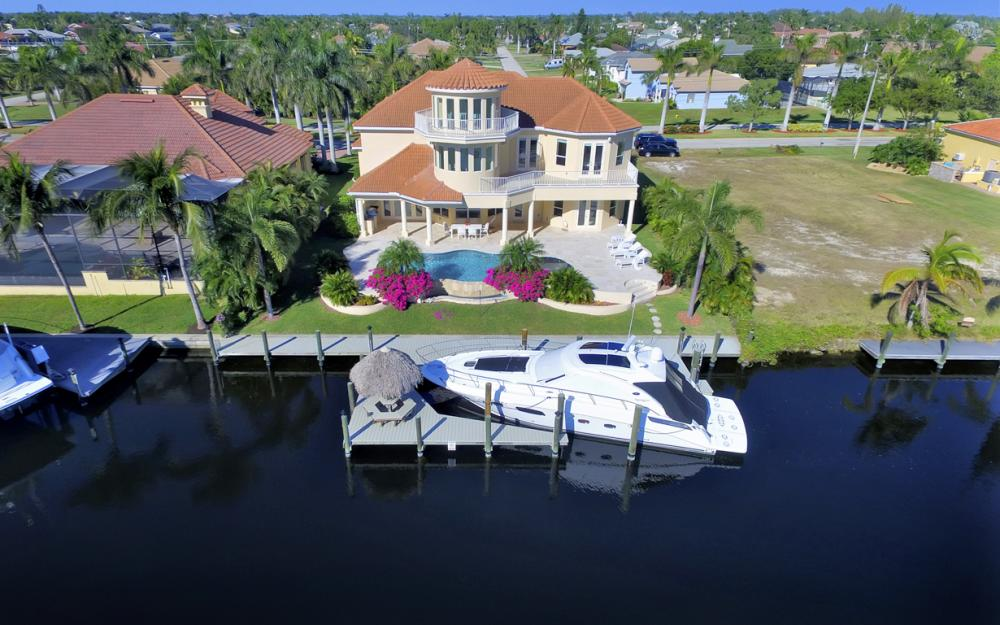 2530 El Dorado Pkwy W, Cape Coral - Home For Sale 797343051