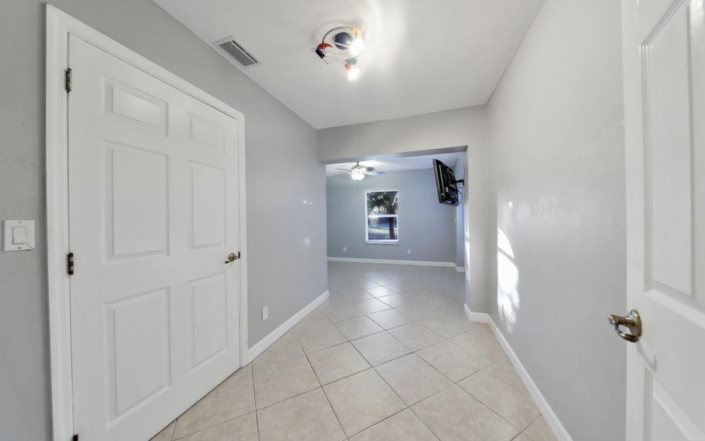 24896 Carnoustie Ct, Bonita Springs - Home For Sale 870718112