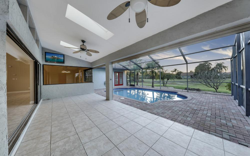 24896 Carnoustie Ct, Bonita Springs - Home For Sale 402616372