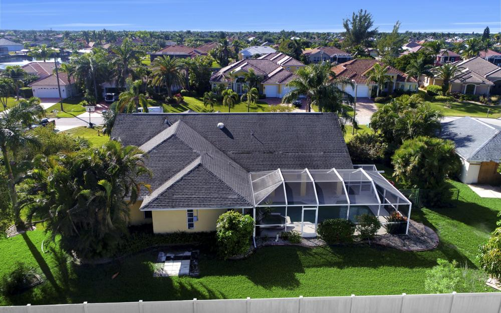 2209 SW 49th Terrace, Cape Coral - Home For Sale 676945546