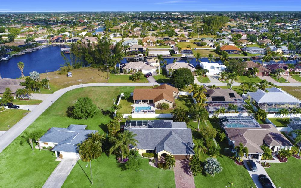 2209 SW 49th Terrace, Cape Coral - Home For Sale 568291458