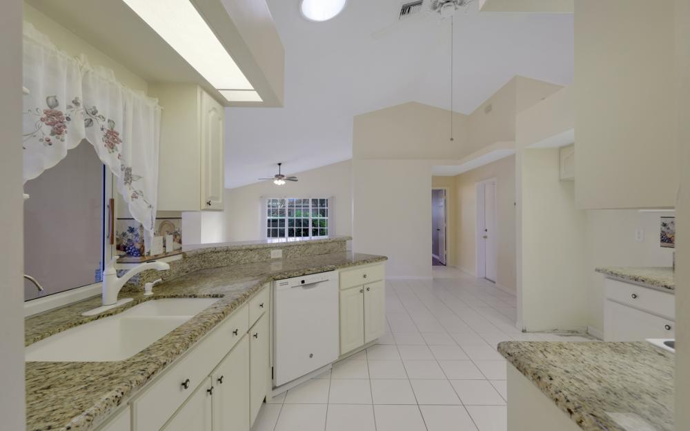 2209 SW 49th Terrace, Cape Coral - Home For Sale 969570957