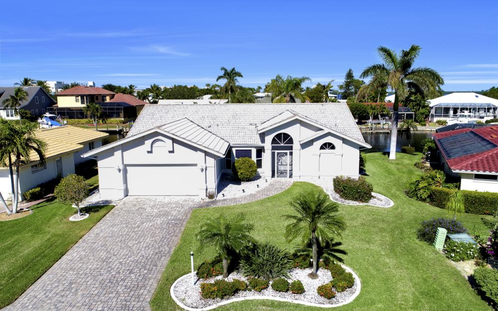 14700 Eden St. Fort Myers - Home For Sale 687180025