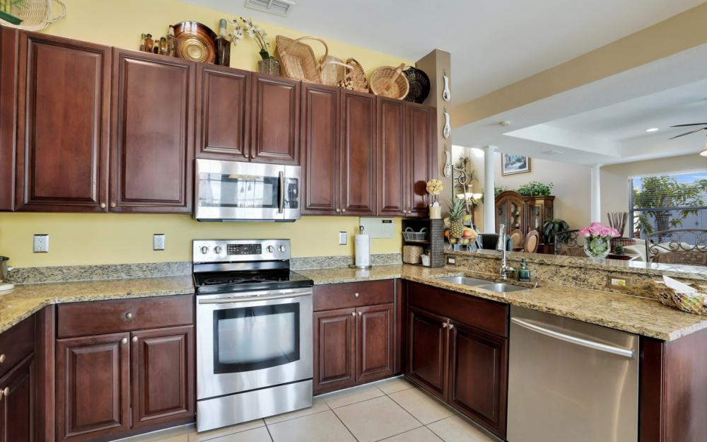 2677 Sunset Lake Dr, Cape Coral - Home For Sale 172542932