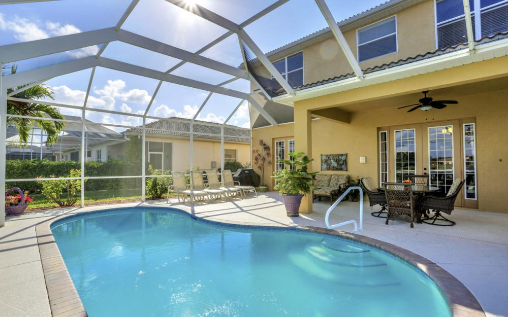 2677 Sunset Lake Dr, Cape Coral - Home For Sale 1146442524