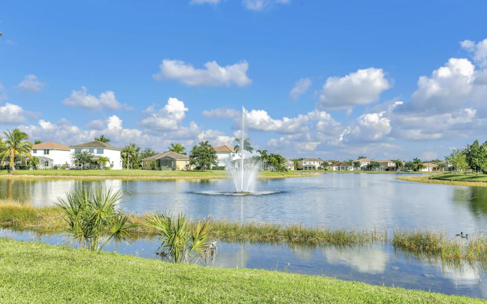 2677 Sunset Lake Dr, Cape Coral - Home For Sale 469902540