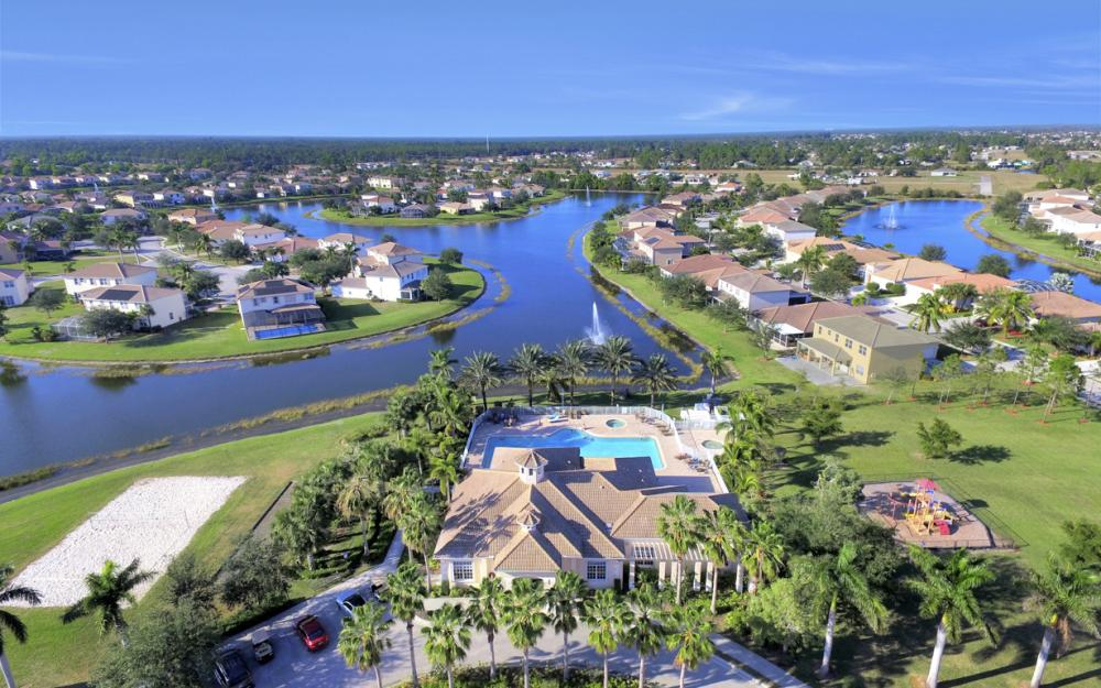 2677 Sunset Lake Dr, Cape Coral - Home For Sale 1361860069