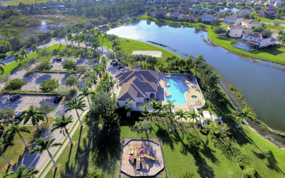 2677 Sunset Lake Dr, Cape Coral - Home For Sale 1306496896