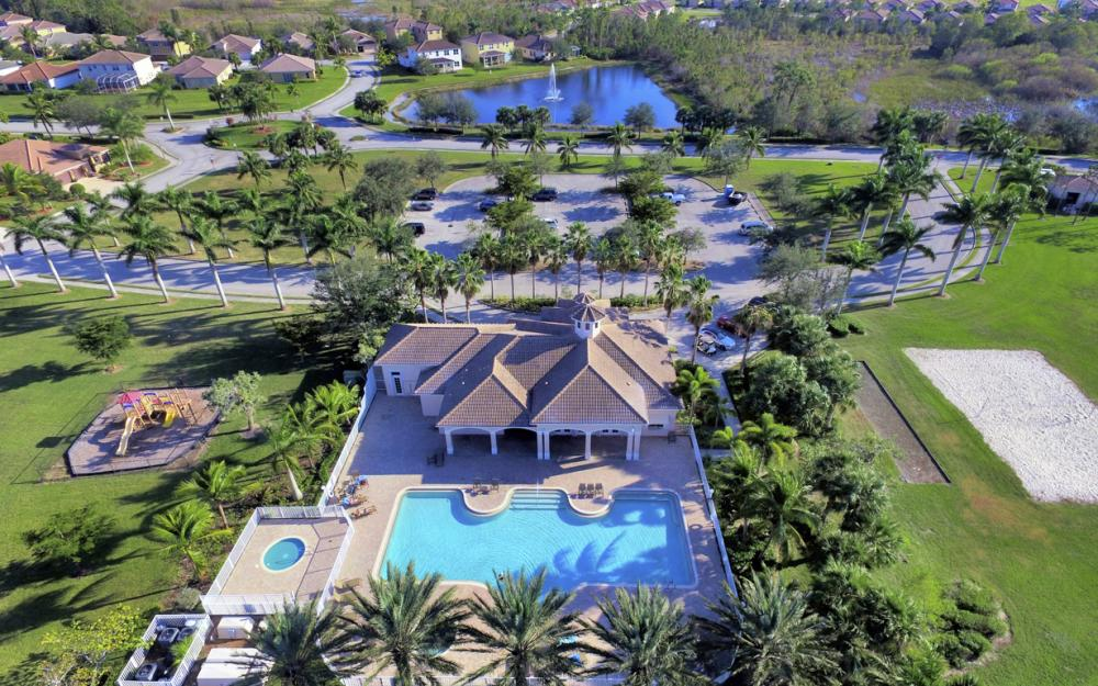 2677 Sunset Lake Dr, Cape Coral - Home For Sale 435505312