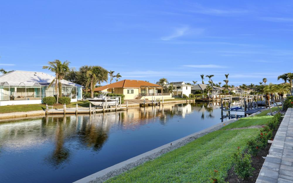 245 Seminole Ct, Marco Island - Home For Sale 64975945