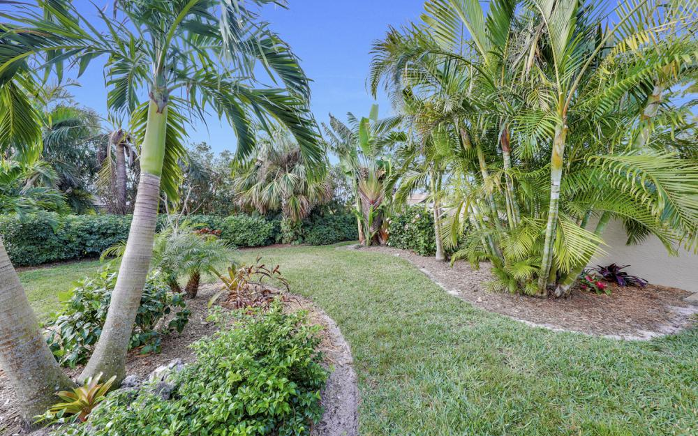 2256 Royal Ln, Naples - Home For Sale 224669505