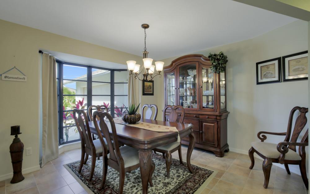 2124 SW 49th Ter, Cape Coral - Home For Sale 882915179