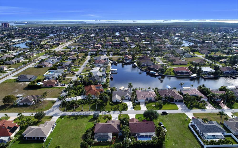 2124 SW 49th Ter, Cape Coral - Home For Sale 2055280556