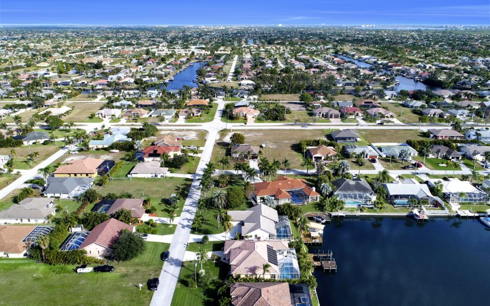2124 SW 49th Ter, Cape Coral - Home For Sale 545380537