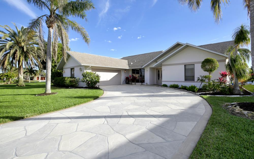 2124 SW 49th Ter, Cape Coral - Home For Sale 215047544