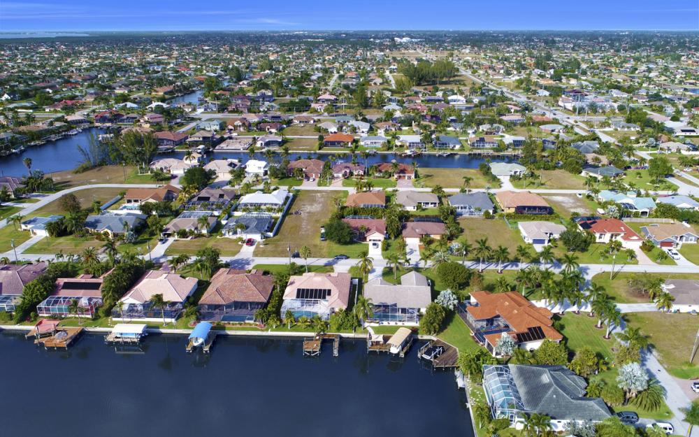 2124 SW 49th Ter, Cape Coral - Home For Sale 1190067699