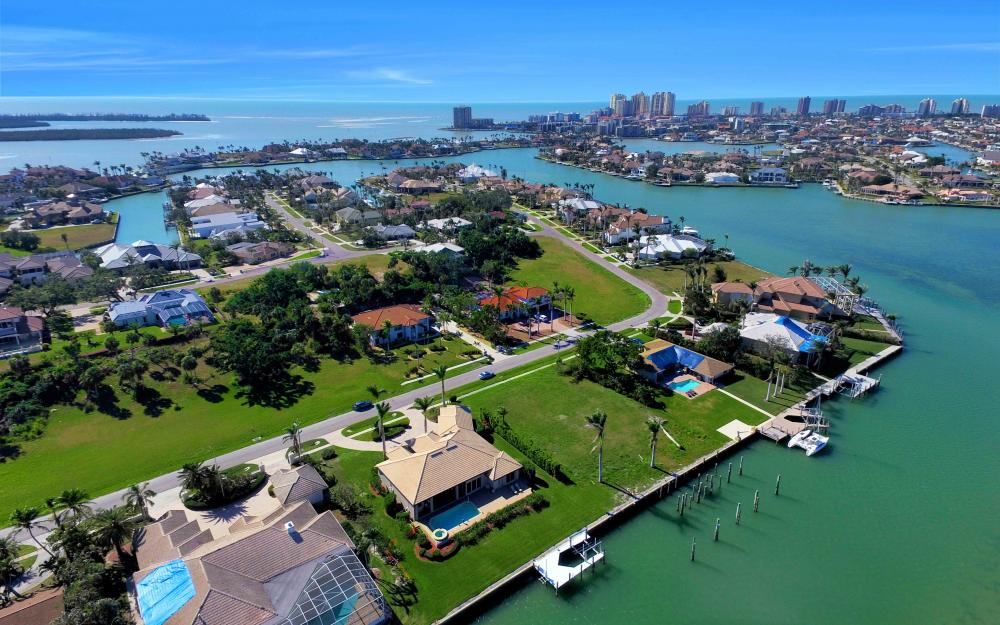 1630 Copeland Dr, Marco Island - Home For Sale 924280305