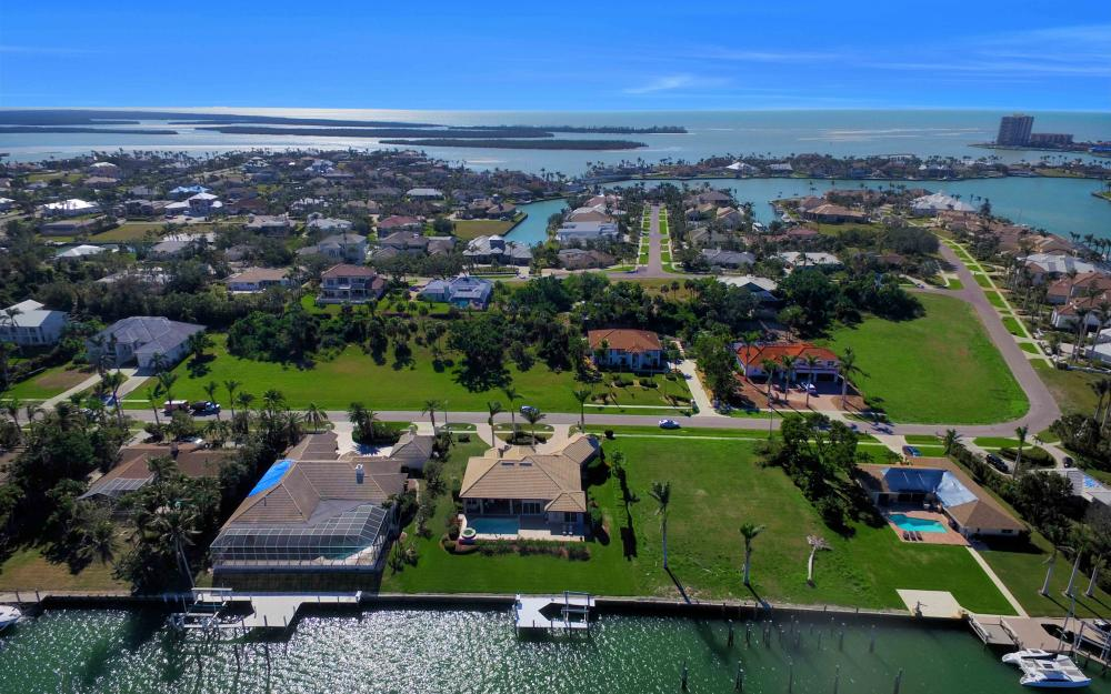 1630 Copeland Dr, Marco Island - Home For Sale 880126709
