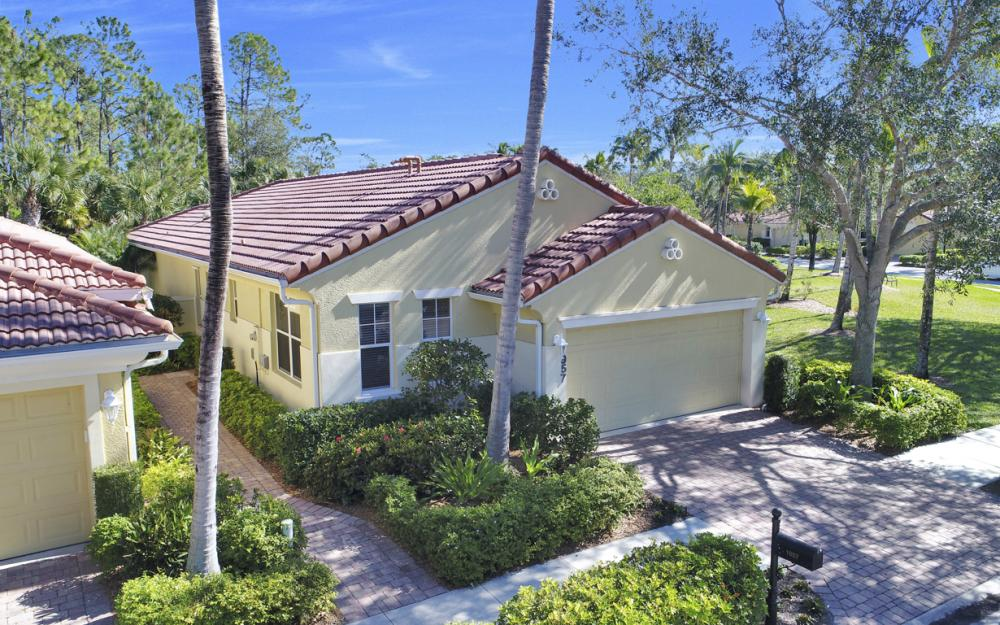 1957 Tarpon Bay Dr N, Naples - Home For Sale 618289546