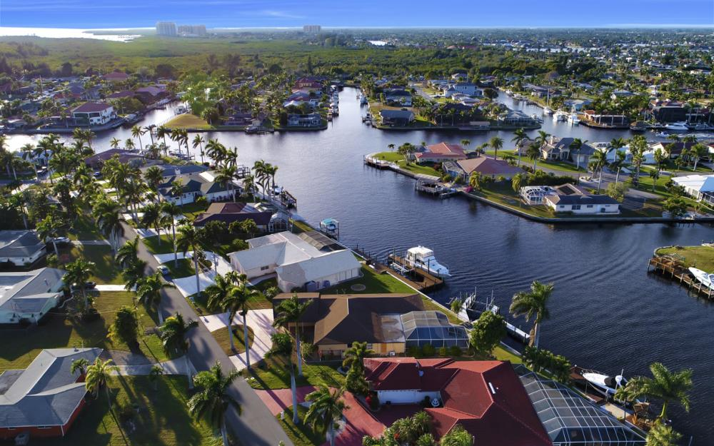 119 Bayshore Dr, Cape Coral - Home For Sale 1263243970