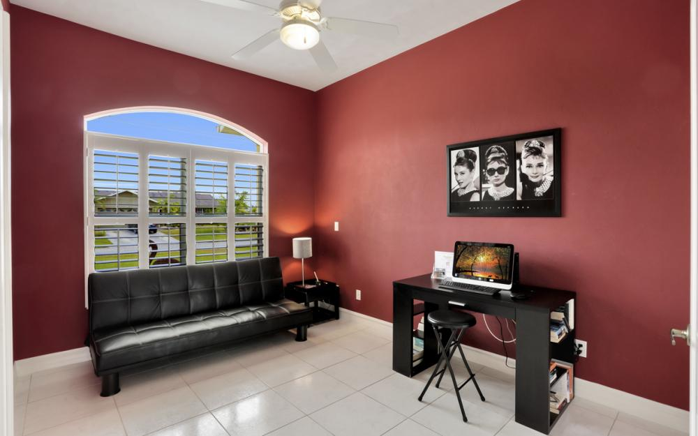 236 NE 14th Ave, Cape Coral - Home For Sale 344538013