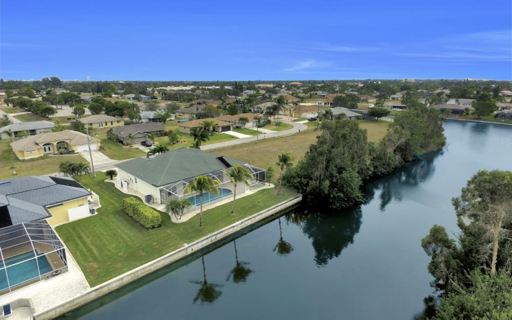 236 NE 14th Ave, Cape Coral - Home For Sale 16008085