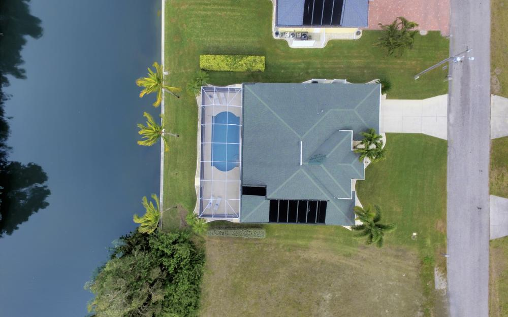 236 NE 14th Ave, Cape Coral - Home For Sale 2063939062