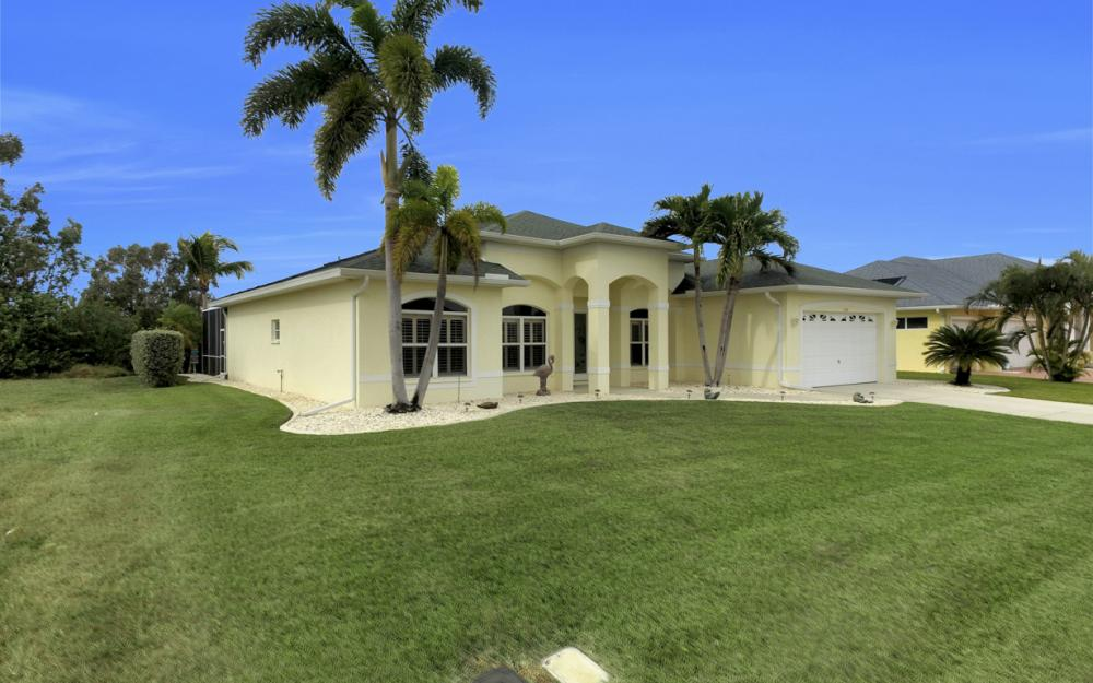 236 NE 14th Ave, Cape Coral - Home For Sale 1062845199