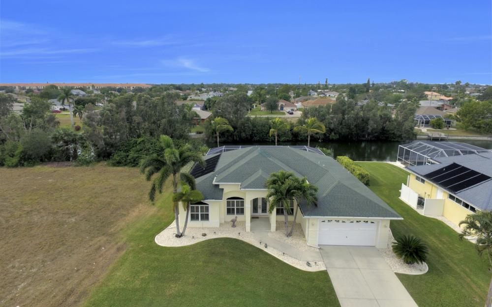 236 NE 14th Ave, Cape Coral - Home For Sale 378589902
