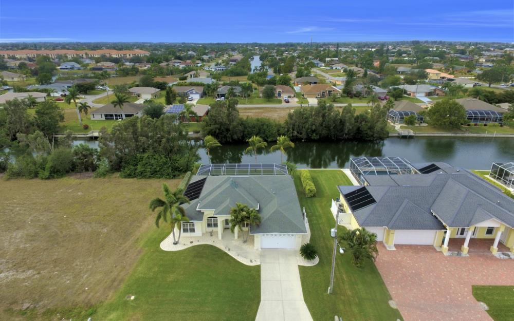 236 NE 14th Ave, Cape Coral - Home For Sale 1281689970