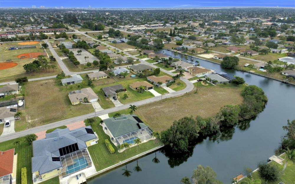 236 NE 14th Ave, Cape Coral - Home For Sale 1610666540